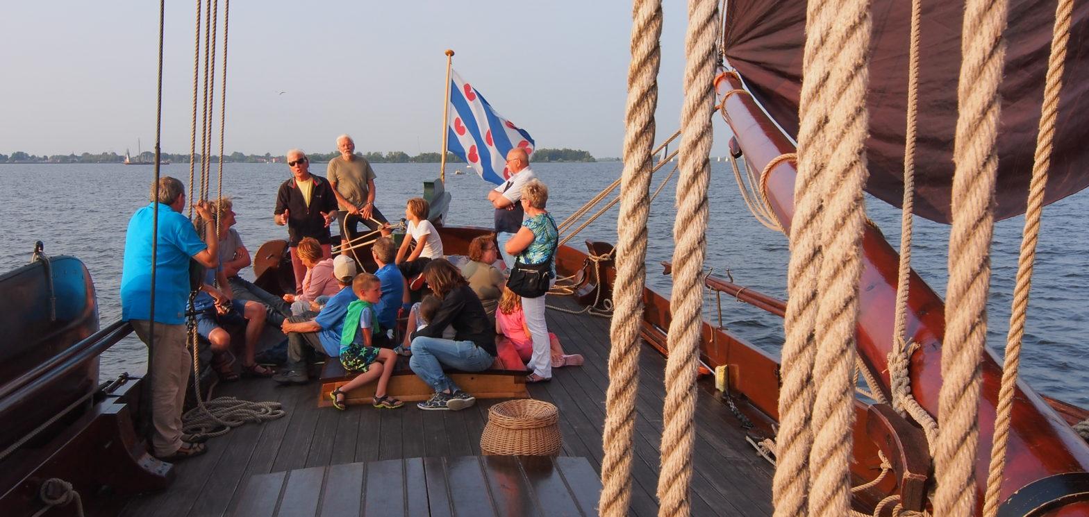 Varen met gasten op de palingaak is een belevenis